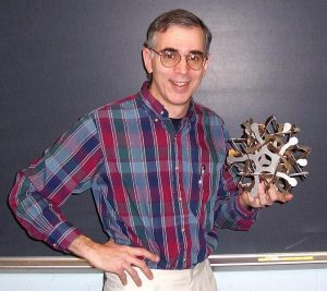 Stony Brook University professor and artist George Hart to unveil sculpture at Macalester in October
