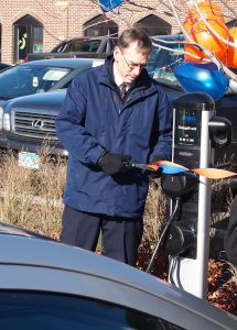 Macalester Implements Electric Vehicle Charging Station