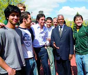 image of Kofi Annan with students on campus in May 2006